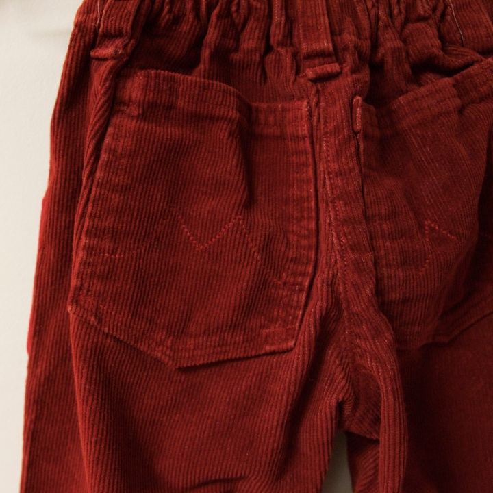 red pants_back