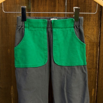 green pocket pants_square